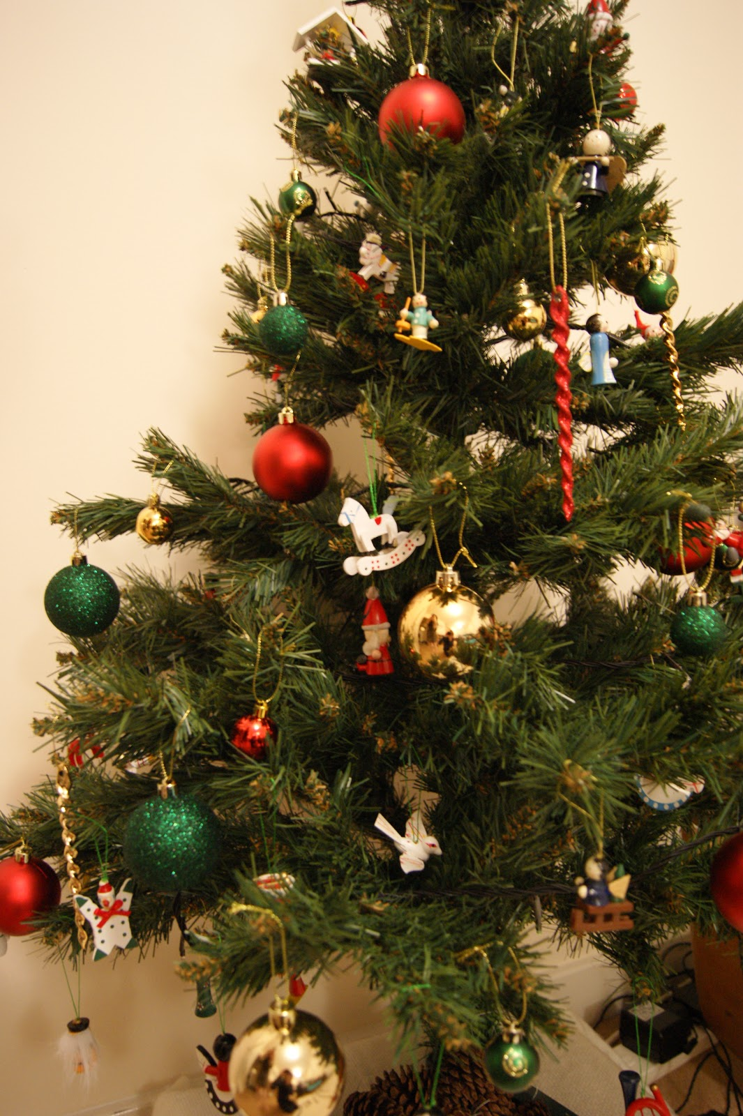 Christmas tree, oh Christmas tree... | Frills \'n\' Spills