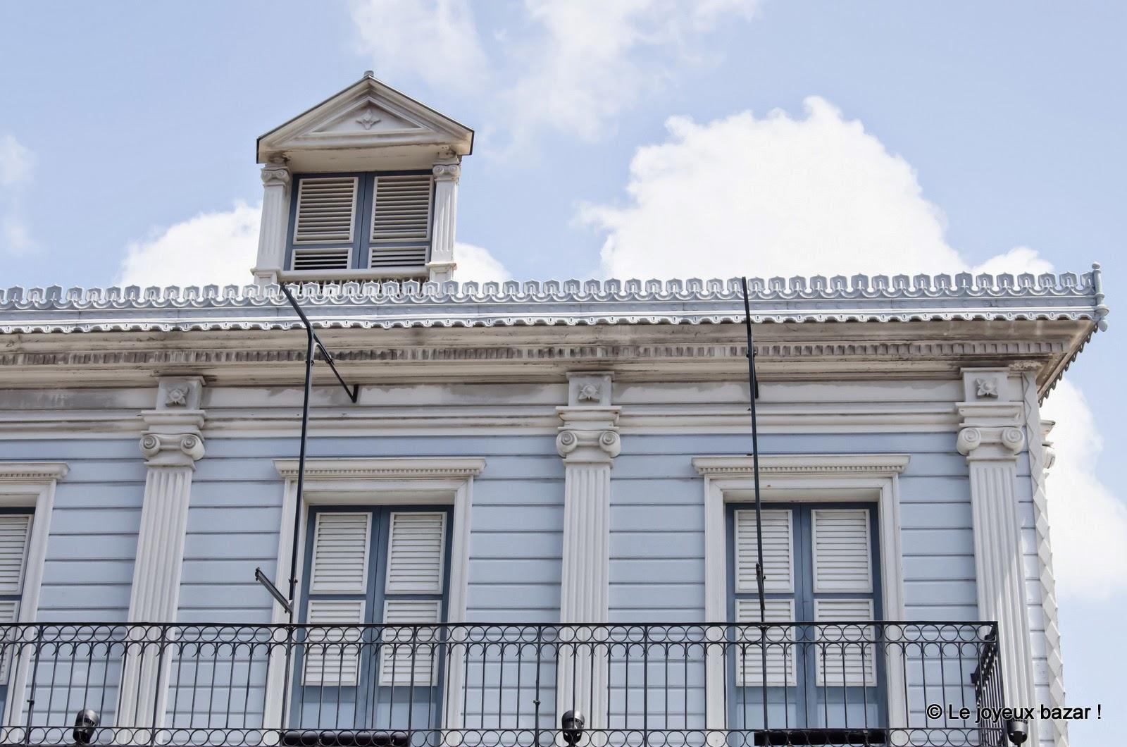 Guadeloupe - Pointe à Pitre  - maison bleue