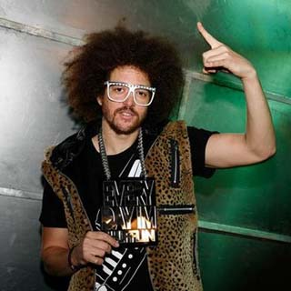 RedFoo – I'll Award You With My Body Lyrics | Letras | Lirik | Tekst | Text | Testo | Paroles - Source: musicjuzz.blogspot.com