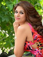 Shraddha das New Glamorous Photos-cover-photo