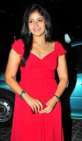 Actress Anjali Hot Cleavage Show Images Photos Photoshoot images