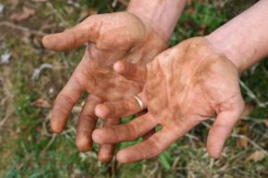 Que significa soñar con manos sucias
