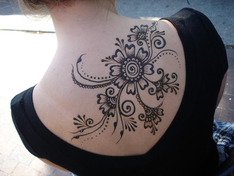 Henna Flowers Tattoos title=