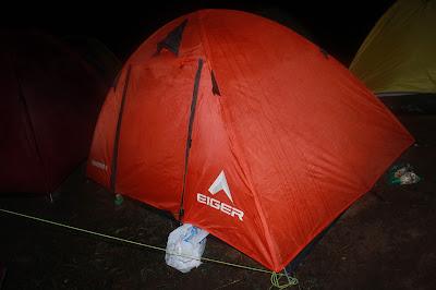Tenda Muatan Dua Orang