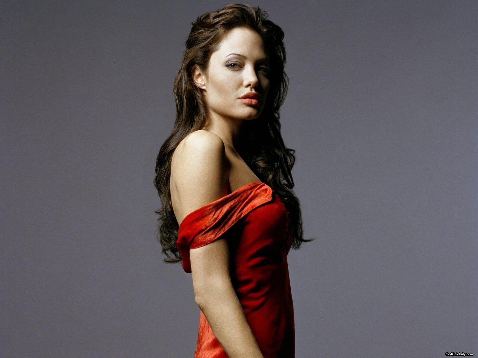 http://4.bp.blogspot.com/-2E60F7jG0oU/UBTkNjDPh1I/AAAAAAAAMaE/1hCnZhemI04/s1600/Angelina-Jolie-098.jpg