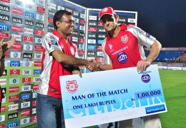 Adam-Gilchrist-Man-of-the-Match-v-CSK