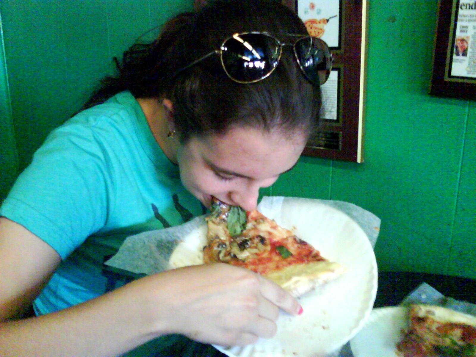 Pizza Quixote: Review: DiFara Pizza, Brooklyn