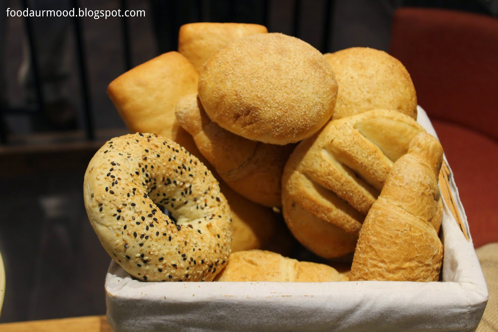 Dunkin Donuts India, Donuts, Bagel Bread, Bunss, Connaugh Place