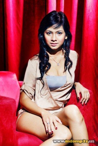 Foto Model Cewek Surabaya Yang Hot & Seksi