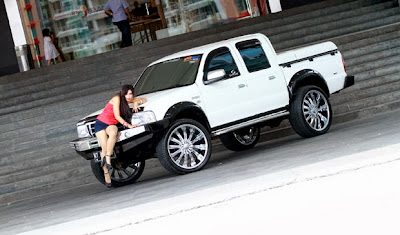 Modified Ford Ranger, 2004, Do not Look He looks