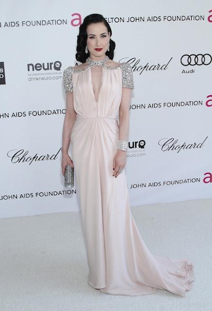 Look Dita Von Teese Oscar 2012