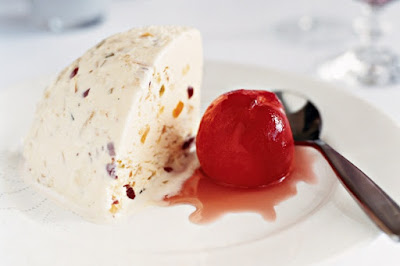 Peaches with white Christmas pudding ice-cream Recipe
