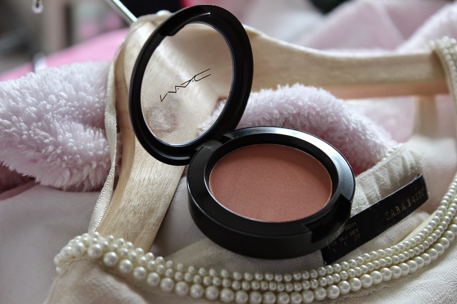L'amour Josie MAC Coppertone Blush Review Swatch