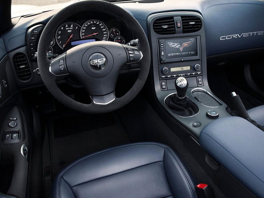 http://4.bp.blogspot.com/-2Es-WBaHp5E/Txe3kf9tI2I/AAAAAAAAKS0/ob74gy8vi8s/s1600/Chevrolet-Corvette-427-Convertible-%25282013%2529-5.jpg