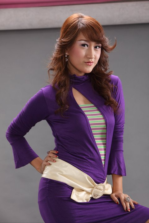 Myanmar Popular Model and Actress, Melody's Hot Fashion