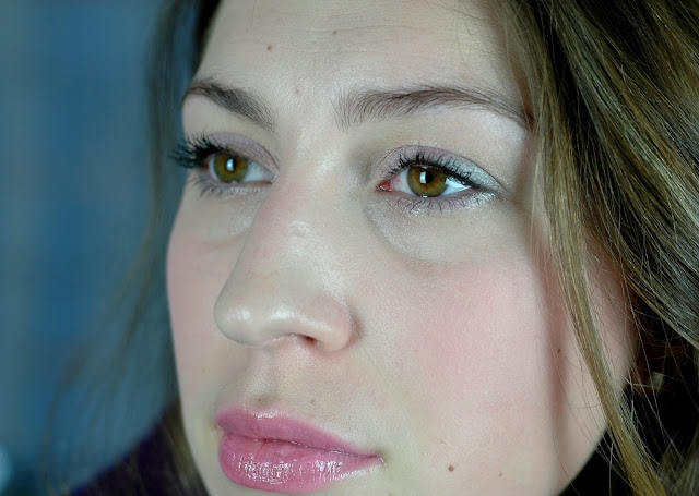 Make-UP Look mit den Farben Rose Quartz und Serenity
