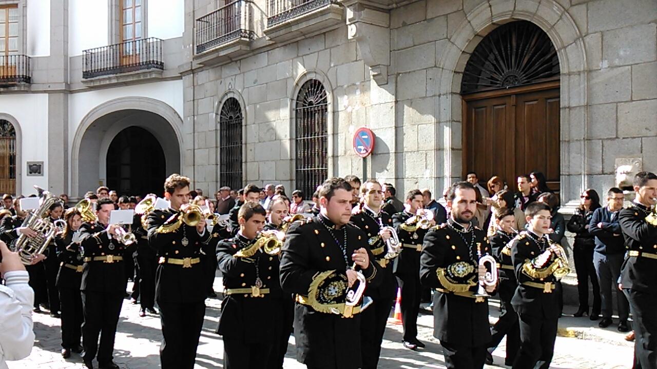 Foto realizada por Pedro Jesús García ante las puertas del Ayuntamiento de Pozoblanco