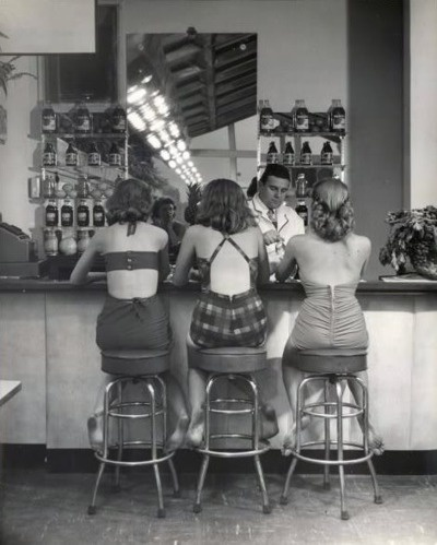 1940s Soda Shop #1940s #girlfriends