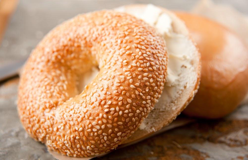 طريقة تحضير خبز البيغل