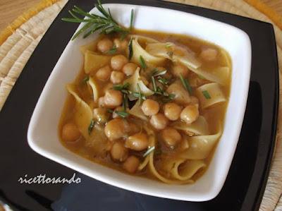 Pasta e ceci ricetta per una zuppa sana con pasta fatta in casa