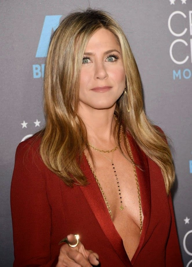 Served up a major close of burning style, Jennifer Aniston was on stunning during her strolled into the 20th Annual Critics Choice Movie Awards at Hollywood on Thursday, January 15, 2015.