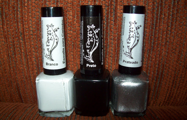 Esmalte para Carimbo Branco, La Femme; Esmalte para Carimbo Preto, La Femme; Esmalte para Carimbo Prateado, La Femme