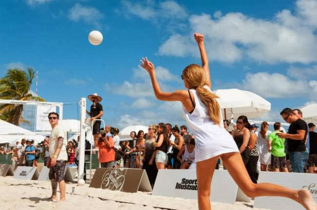 Sports Illustrated swimsuit models Beach Volleyball Game, Sports Illustrated, beach volleyball