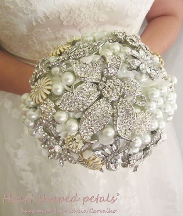 Pearl and brooch bouquet