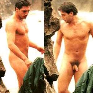 Desnudo divino lastima que hubo poca luz 9