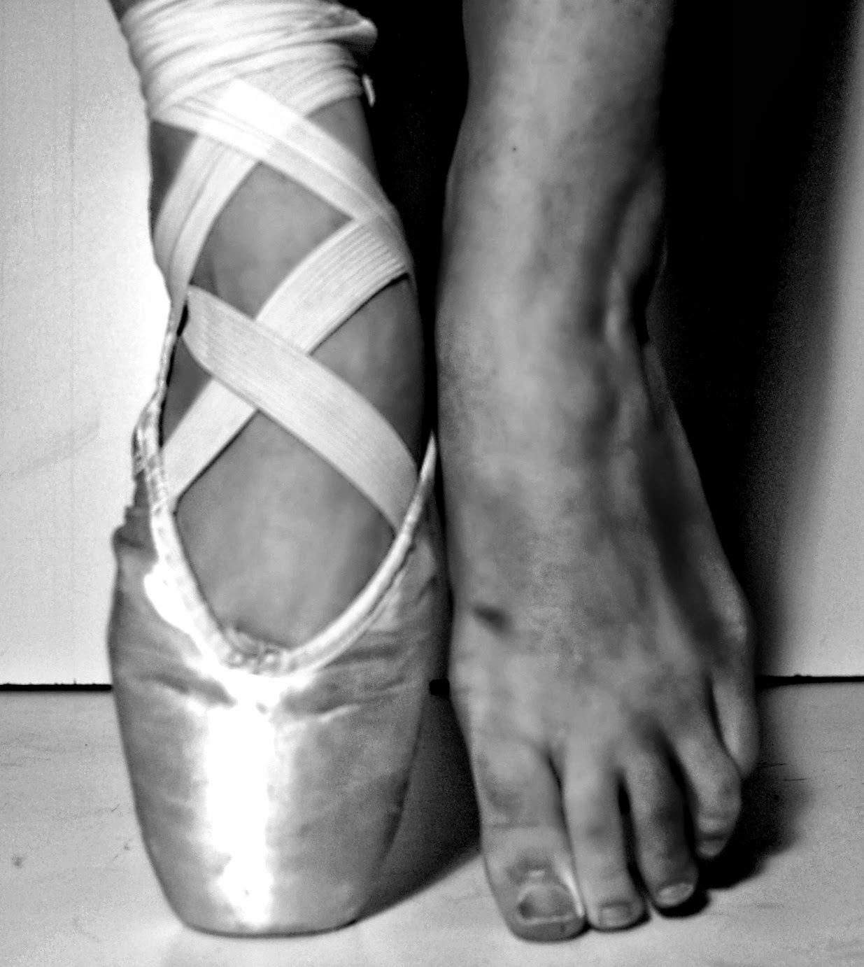 how to tell if a pointe shoe fits