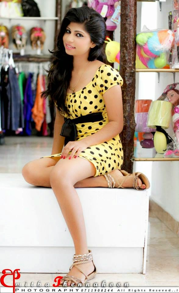 Sajini legs in yellow