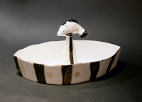 Trauks saldumiem- kaula porcelāns, apzeltījums. Cena: 89 Ls