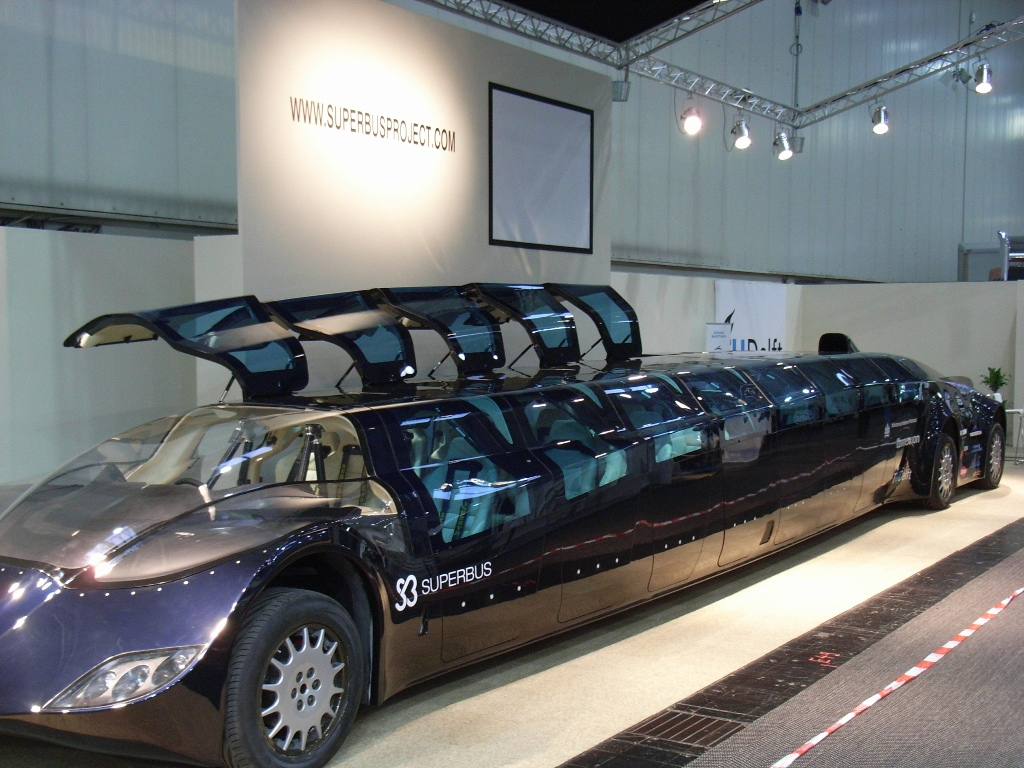 Dubai To Get New Electric Limo Super Bus