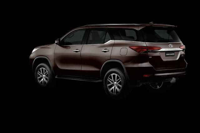 tampilan samping All New Toyota Fortuner 2015