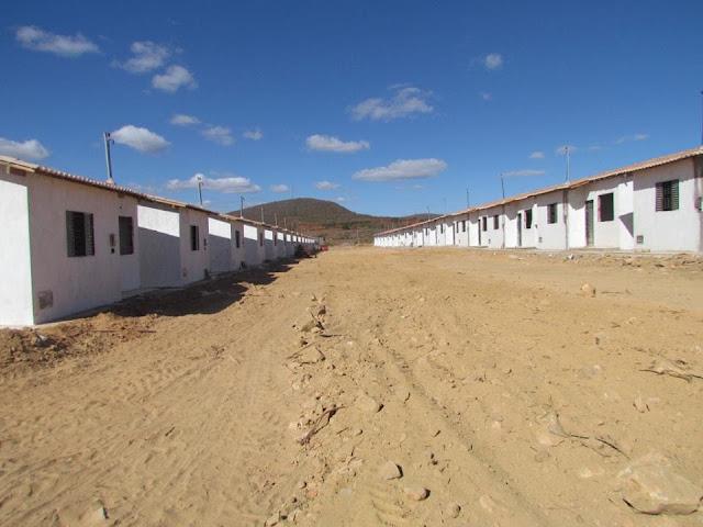 Gentio do Ouro – População se prepara para a entrega das 40 casas populares: