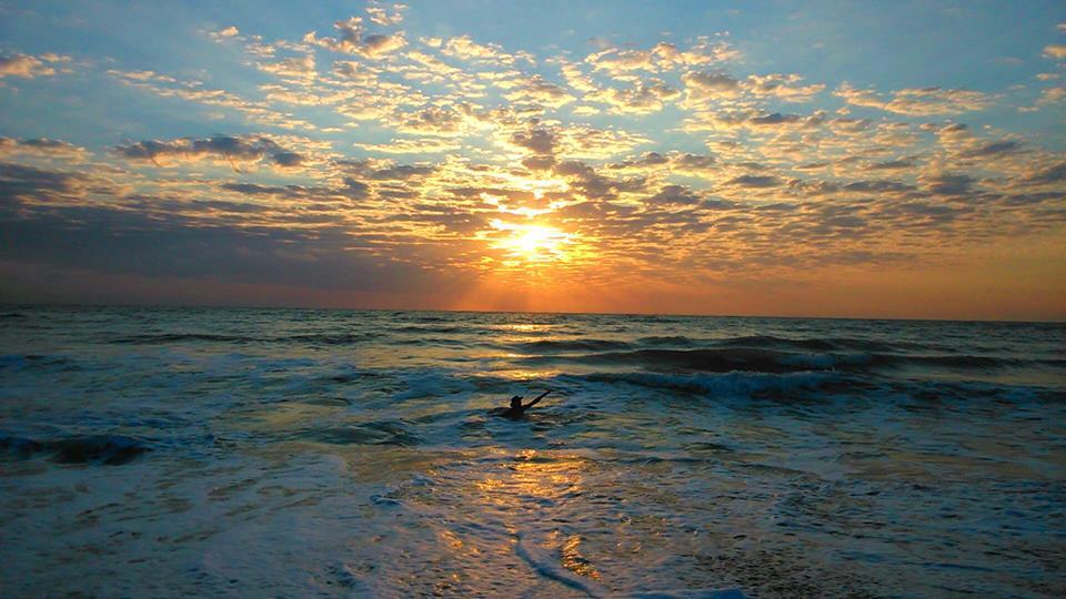 Cel mai bun loc de inceput ziua, dintre valuri!