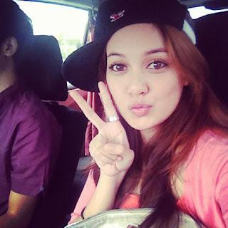 Nelydia Senrose Dan Qi Razali Bercuti Ke Luar Negara Bersama