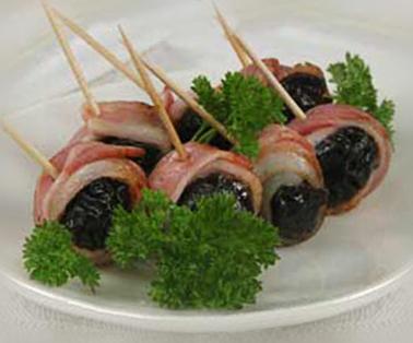 Копченая корейка с черносливом