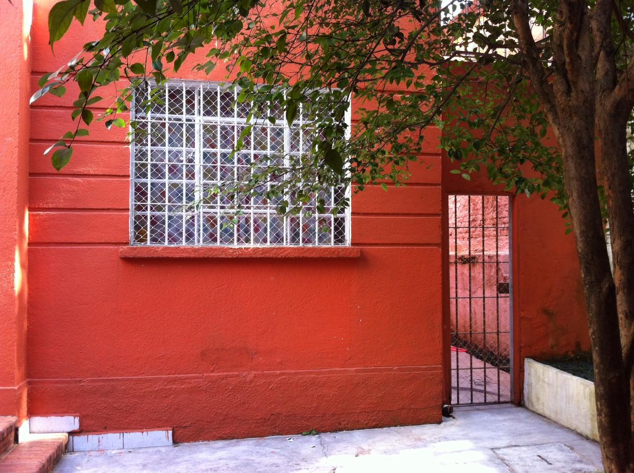 #A82C24 Vida com Gatos: A polêmica das Telas em Casas 1468 Tela Janela Gatos