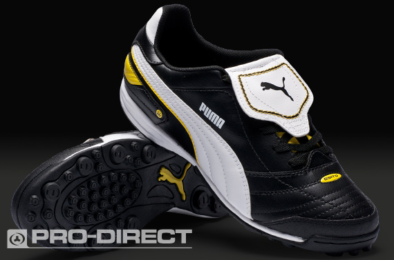 Futsal shoes for everyone!  PUMA FUTSAL SHOE 7070441a1