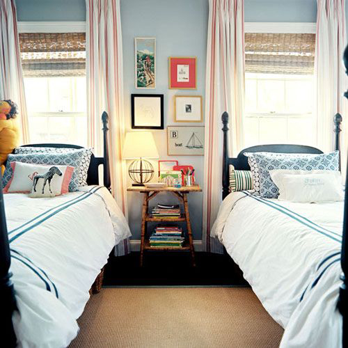 Small Bedroom Ideas For Two Twin Beds: The Peak Of Très Chic: Twinning