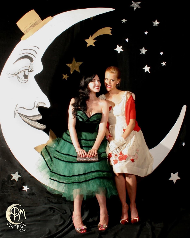 http://4.bp.blogspot.com/-2HGeTbS2K_0/TijoQ78iAbI/AAAAAAAABRA/5ZrxHqIdPpI/s0/grey+moon.jpg