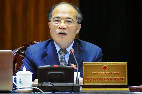 Những trò hề của Chủ tịch Quốc hội Nguyễn Sinh Hùng