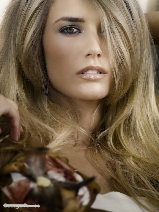 Womens Hairstyles Photos Of Golden Blonde Hair Color