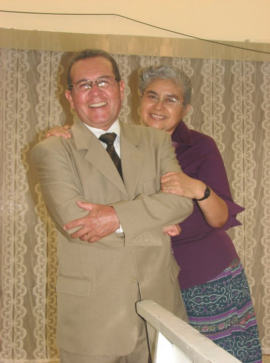 Pastores: Nelson y Lupita Barrios