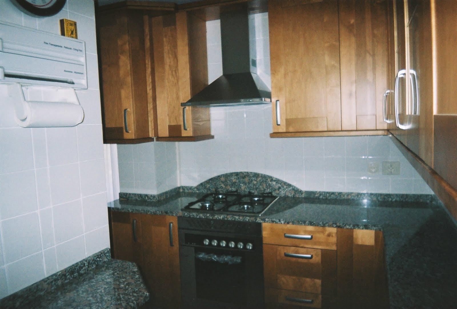 Maderas macizas 2011 16 a 20 cocinas ayz eurolar madrid - Muebles de cocina sueltos ...