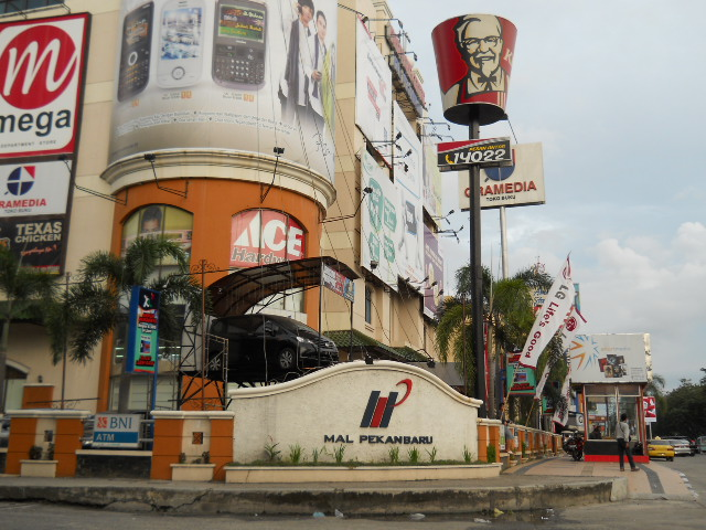 Komplek Mal Pekan Baru along Jalan Jend Sudirman is an integrated ...