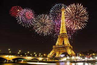 Gambar Kembang Api Tahun Baru 2016 Menara Eiffel Fireworks Happy New Year HD Wallpaper