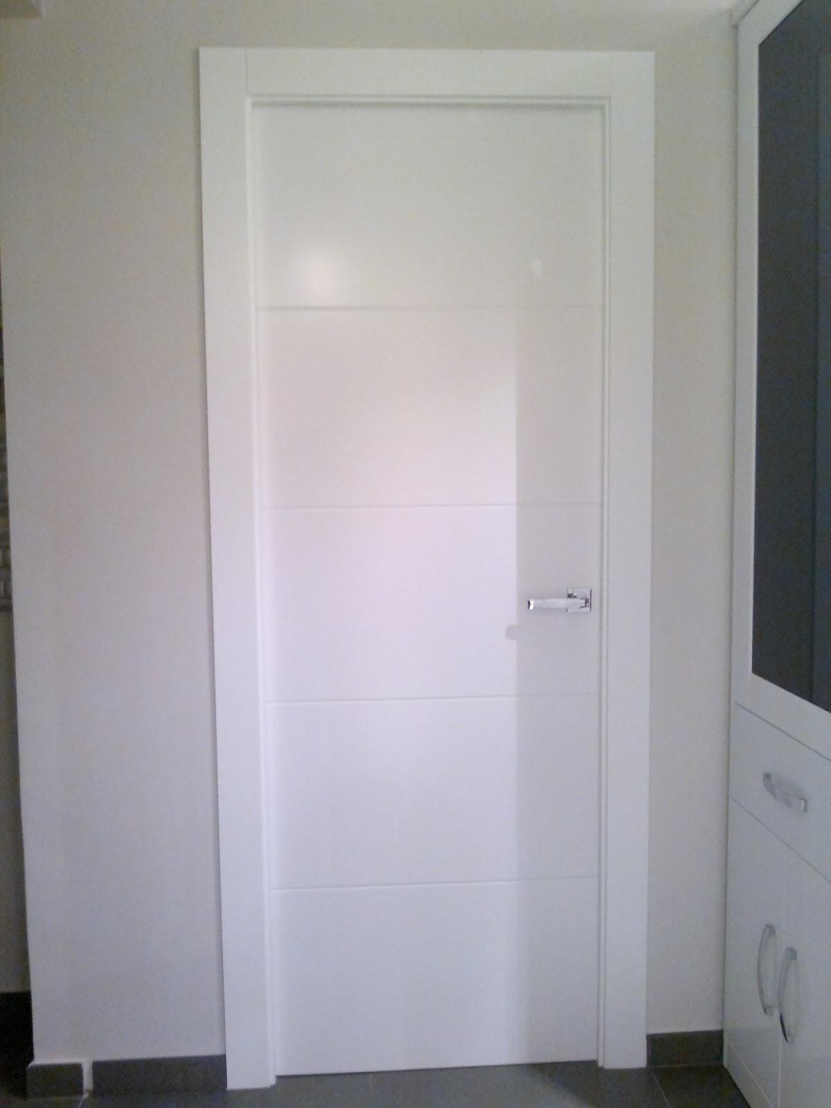 josecremadescarpinteria puertas de paso blancas con rayas