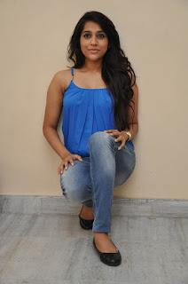 Rashmi Gautam sizzling Pictures 003